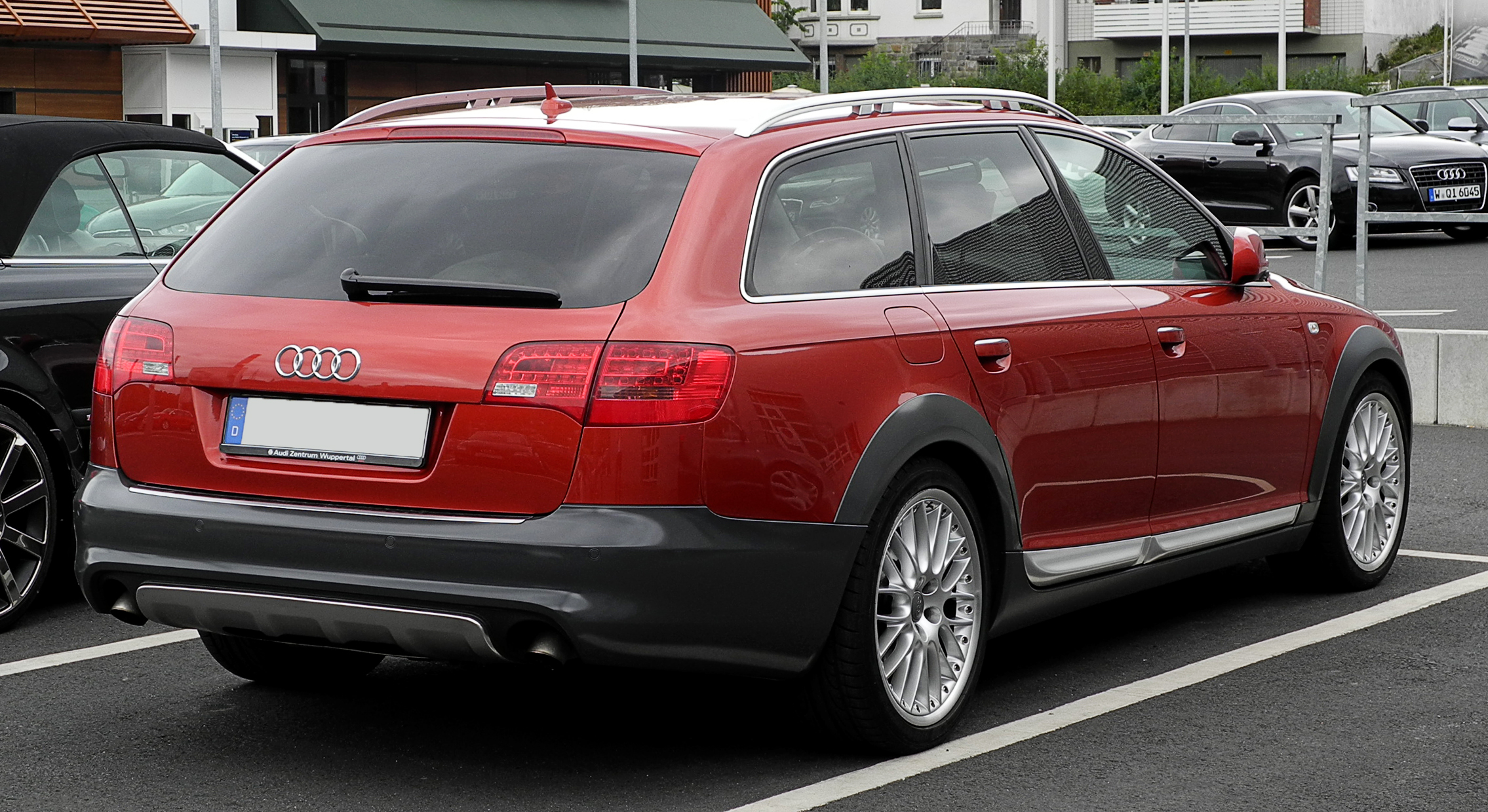 Audi_A6_allroad_quattro_3.0_TDI_(C6)_%E2%80%93_Heckansicht,_13._Juni_2011,_Wuppertal.jpg
