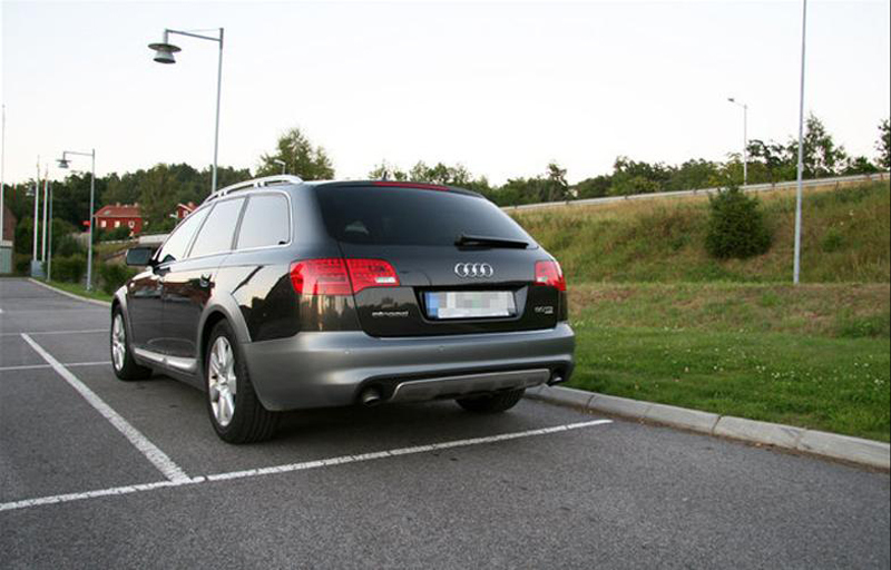693956412AUDIA6C6ALLROAD.jpg