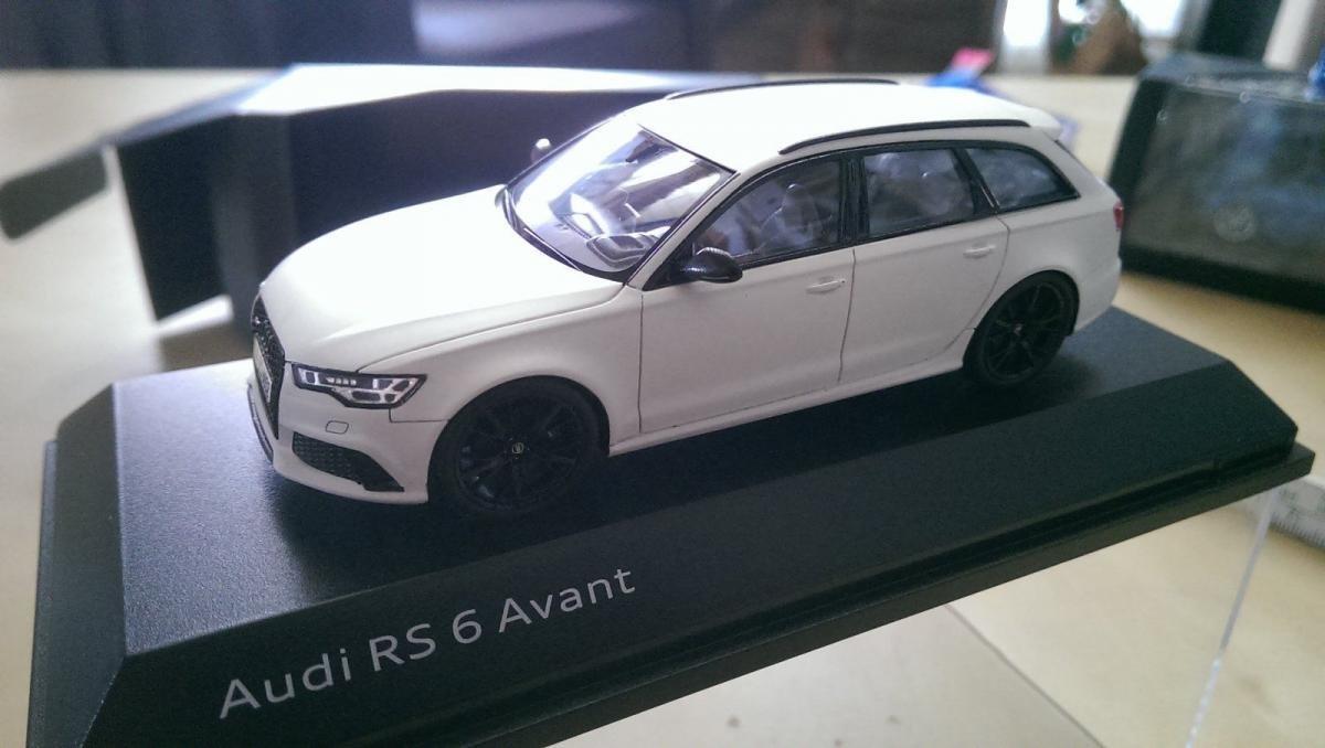 5011705331 1:43 Audi a5 cabriolet nuevo modelo florettsilber