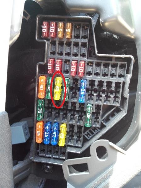 fuse box in ford fiesta fusible permanent vers non permanent a3 8p a3 8pa  fusible permanent vers non permanent a3 8p a3 8pa