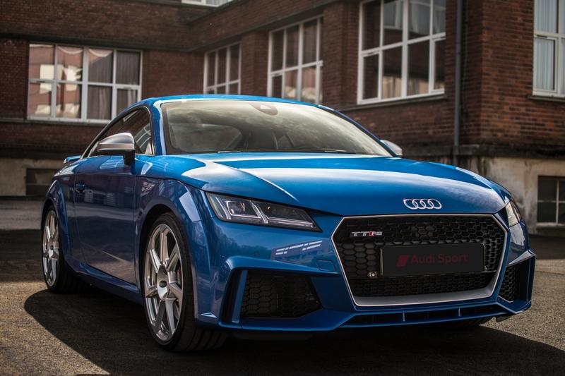Audi-TT-Rs-16.jpg.b047c0f1e3ee52bf0cc10895e4d134d5.jpg