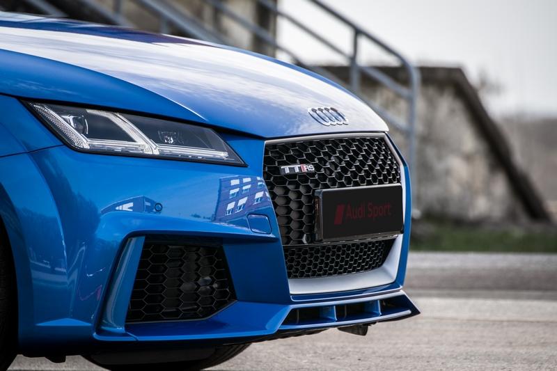 Audi-TT-Rs-27.jpg.4d5d56c2c2b9246398ca6f38236fb313.jpg