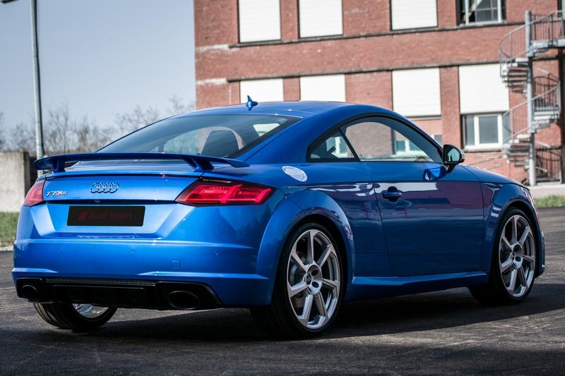 Audi-TT-Rs-32.jpg.20ee5fe809149a298040dd1dd4bbbede.jpg
