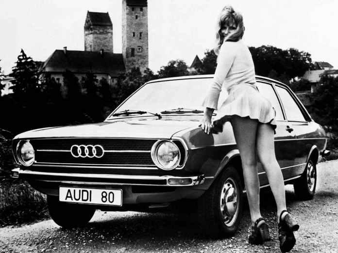Sexy-Audi-80-girl.jpg.51742a9ac5cc29066a234f51de0be235.jpg
