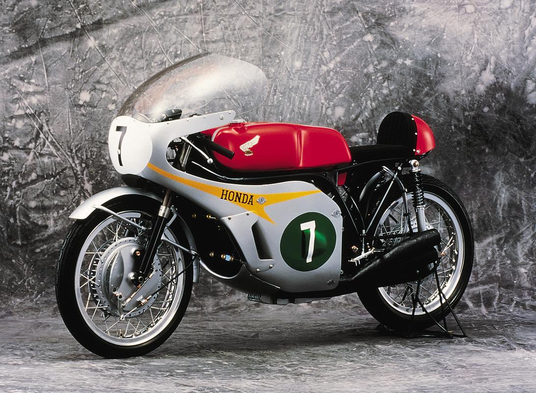 1966_Honda_RC166_250.thumb.jpg.417b07ea92830b21718bfd3336463ebd.jpg