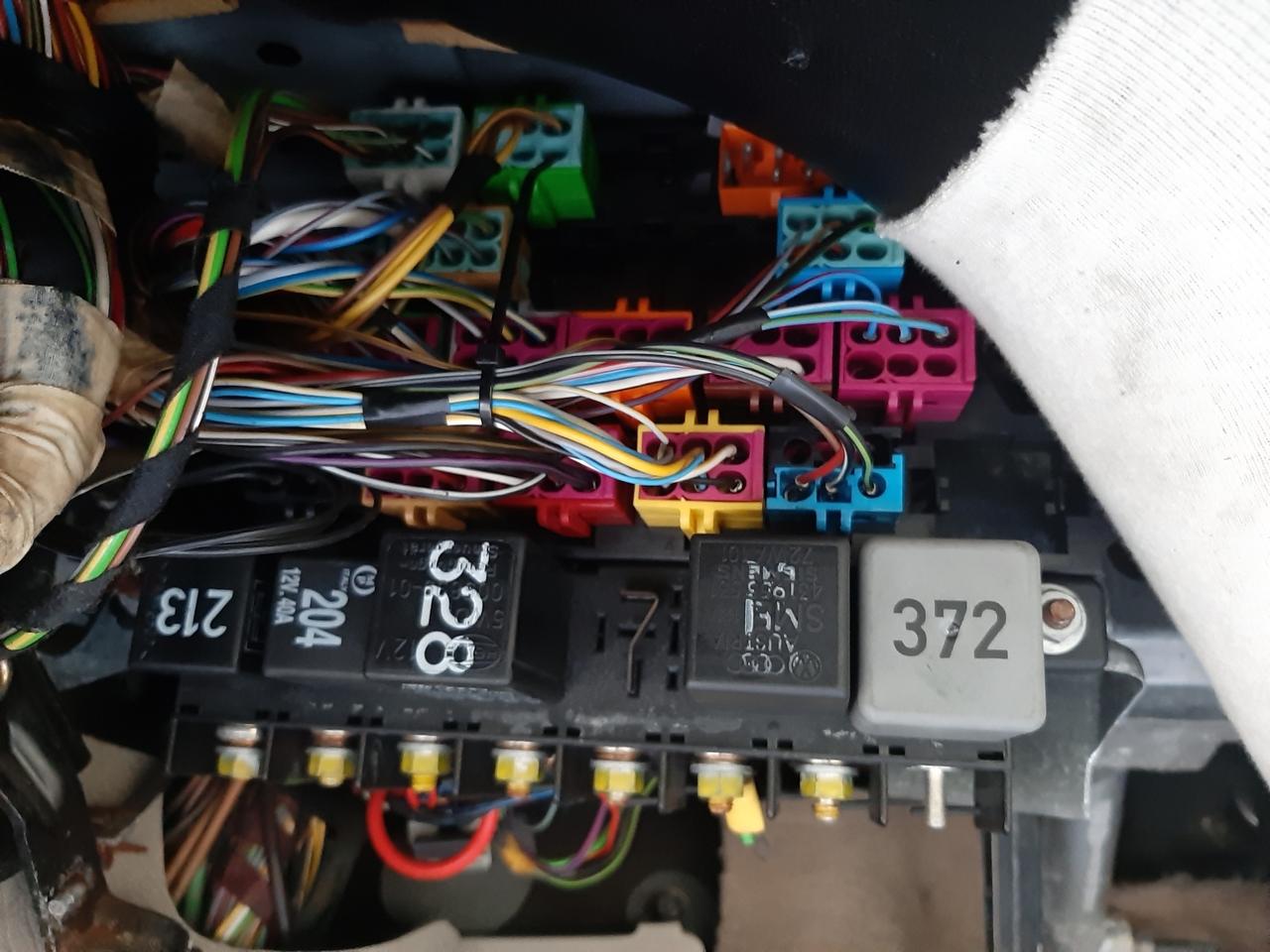 2042971848_Porterelaiconducteur.thumb.jpg.88167686028130ae62a04cda358d63e1.jpg