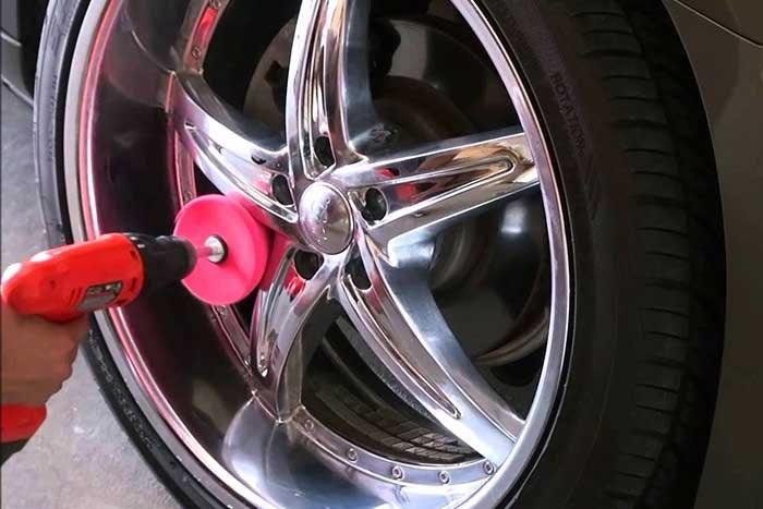 polissage-jante-voiture-detailing.jpg.a2f9e22b296ebaa52afb29c25d8349f3.jpg